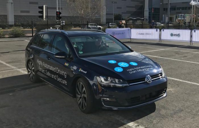 20170104 ces microsoft autonomous car 100702102 large 2 700x450 - Microsoft expands connected car push with patent licensing