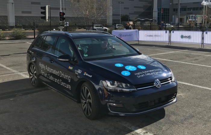 20170104 ces microsoft autonomous car 100702102 large 2 700x450 - Microsoft expands connected car push with patent licensing