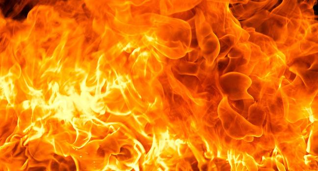 flames teaser.jpgx648y348crop1 - Headphone batteries flame out mid-flight, ignite new Li-Ion fears