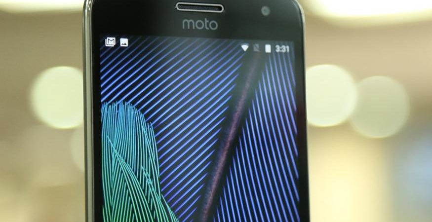 moto g5 plus 4 1 1 875x450 - Moto G5 Plus Witnesses Record Sales on Flipkart: 50 Units Sold Per Minute