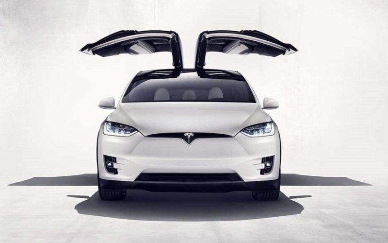 Tesla Model X 800x500 - Tesla, Apple Ask California to Change Proposed Self-Driving Car Test Policy