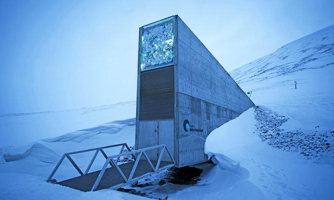 aHR0cDovL3d3dy5saXZlc2NpZW5jZS5jb20vaW1hZ2VzL2kvMDAwLzA4OS84NDAvb3JpZ2luYWwvU3ZhbGJhcmQtR2xvYmFsLVNlZWQtVmF1bHQtRW50cmFuY2UuanBlZw - 'Doomsday' Library Joins Seed Vault in Arctic Norway