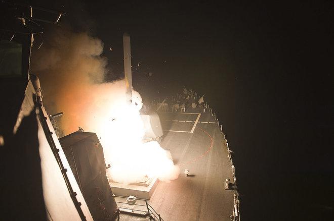 aHR0cDovL3d3dy5saXZlc2NpZW5jZS5jb20vaW1hZ2VzL2kvMDAwLzA5MS8wODMvb3JpZ2luYWwvdG9tYWhhd2stbWlzc2lsZS5qcGc - Syria Bombing: How Do Tomahawk Missiles Work?