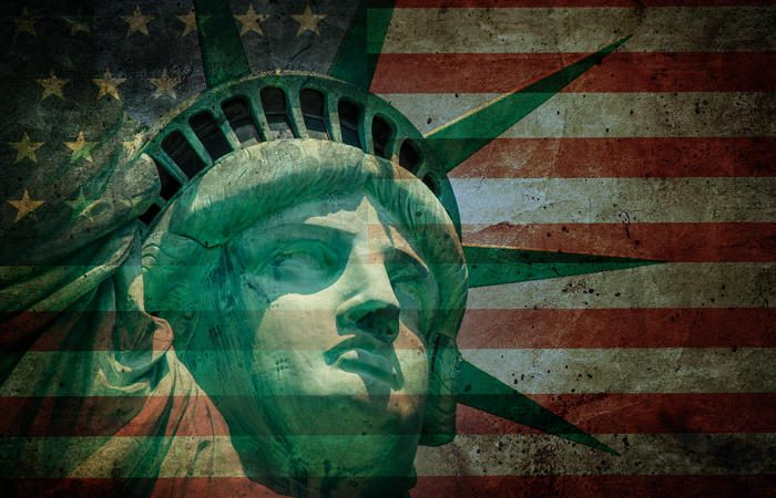 h 1b visa6 100698019 large 3 700x450 - Linux, PCs and Trump's 'Buy American' problem