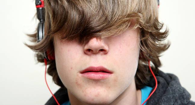icann teenager.jpgx648y348crop1 - Teenagers think Doritos are cooler than Apple