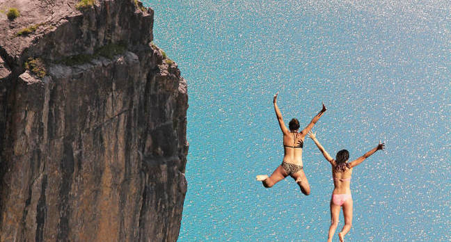 cliffjumping - It's been two and a half years of decline – tablets aren't coming back