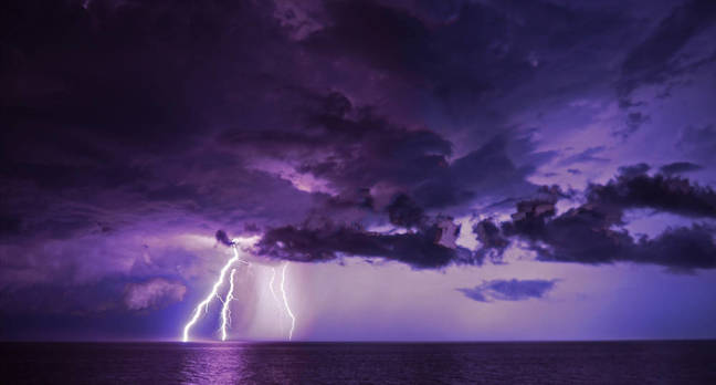 shutterstock lightning - Intel pitches a Thunderbolt 3-for-all
