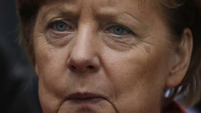 92003bcf6016d7e0208772b7b5ff084a - Germany's Merkel says digital world needs global rules