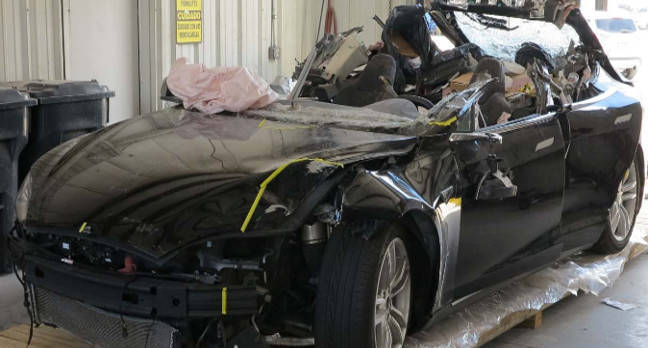 crashed tesla model s joshua brown - Tesla death smash probe: Neither driver nor autopilot saw the truck