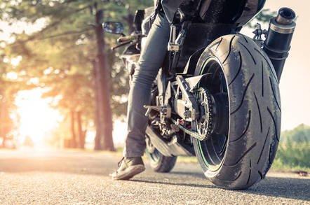 shutterstock biker - Biker nerfed by robo Chevy in San Francisco now lobs sueball at GM