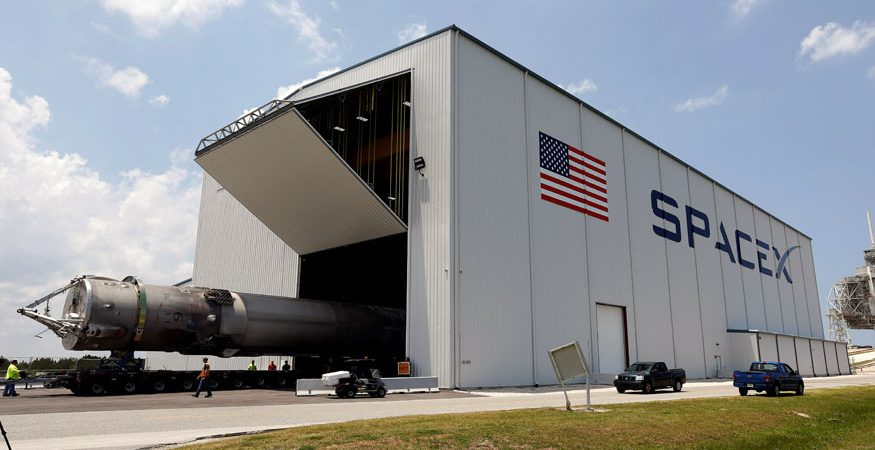 spacex reuters 1 875x450 - SpaceX Dragon Spacecraft to Return With Key NASA Cargo