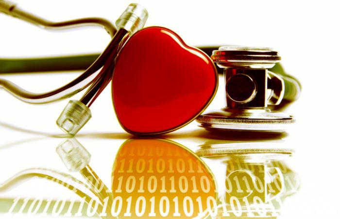 binary healthcare medical heart stethoscope   source image cc0 via pixabay 100748674 large 700x450 - Debunking the robodoc: the pivotal role of human-machine collaboration in the future of diagnostics
