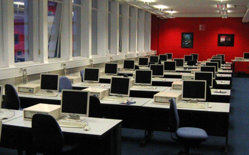 computerlab 800x500 - Internet Now Has 332.4 Million Domain Names