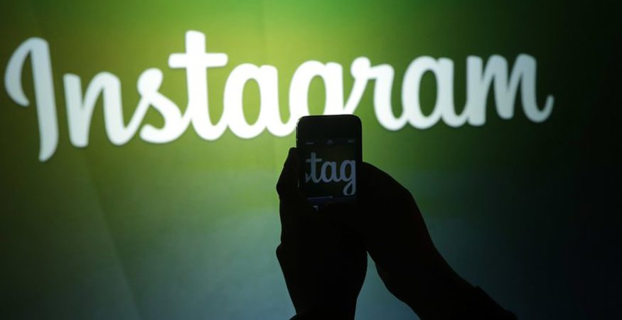 instaaaaa 875x450 - Instagram Tests Support For Sharing Other's Posts to Your Own Story