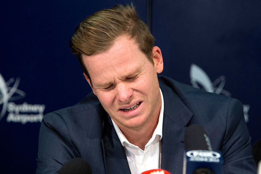 Steve Smith Banned: Ball-tampering Scandal Accused Australian Skipper Cries on Return to Australia
