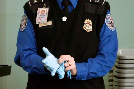 tsa gloves 648 - ACL-Sue: Rights group takes on TSA over device searches