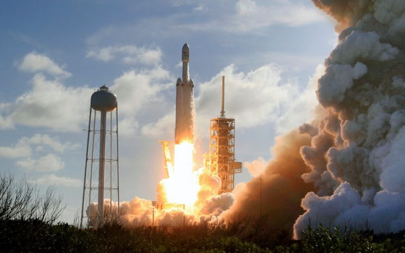 A Falcon 9 SpaceX heavy rocket 1 800x500 - SpaceX Launches NASA Planet-Hunting Satellite to Find Alien World