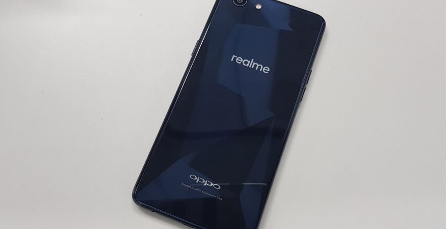 Oppo Realme 1 1 875x450 - Oppo Realme 1 in Pics: Check Out the New Budget Smartphone