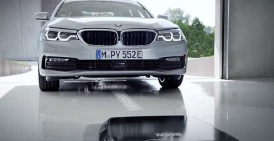 bmw introducing 875x450 - BMW Introducing Wireless Induction Charging Mat