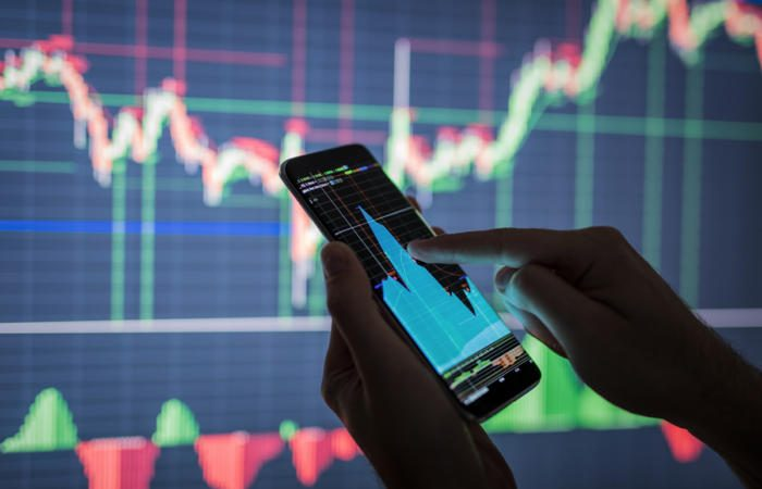 business intelligence data visualization tools analytics 100761933 large 700x450 - The eye-opening new world of alternative investor data