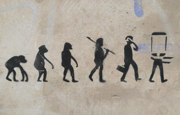 cave drawings evolution technology change 100746088 large 700x450 - The business evolution within the 4th Industrial Revolution